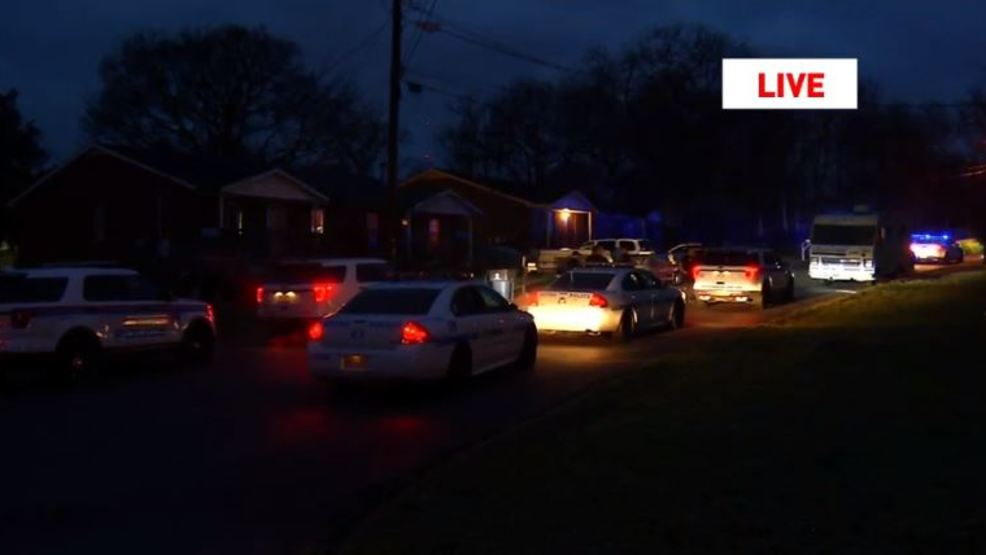 Subjects in stolen vehicle bail in north Nashville during pursuit