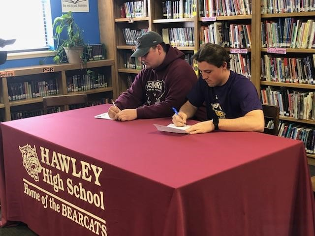 Hawley's signing day featured Kole Smith (McMurry University) and Quay Stokes (Hardin-Simmons University).<p></p>